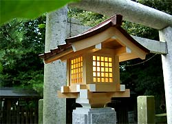 大鳥神社灯篭(船橋大神宮境内社)