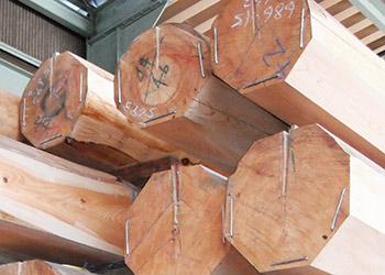 芯持ちの木材